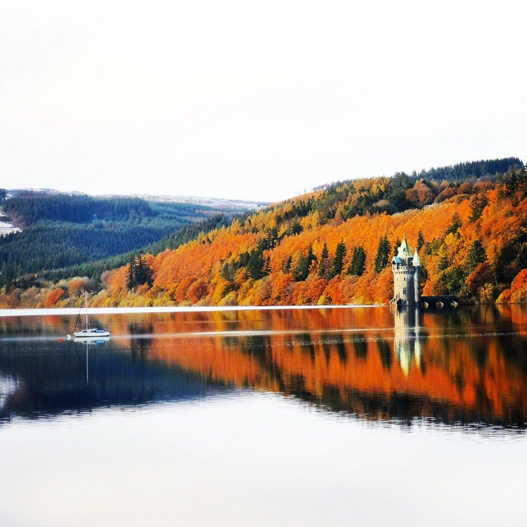 Bajkowa sceneria jeziora Vyrnwy