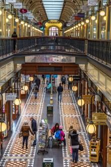 Adelaide Arcade to pasaż handlowy wybudowany w stylu typowym dla wiktoriańskiej Anglii.