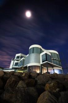 Jeden z licznych przykładów nowoczesnej architektury w Glenelgu.