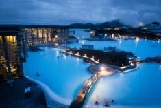 아이슬란드 블루라군에서 온천욕하기