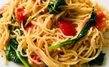 Quick Garlic Spinach Pasta