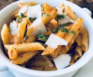 5-ingredient sun dried tomato mozzarella pasta