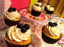 Cupcake blu crunch ai mirtilli e amaretti; http://wp.me/p2x5x0-1hI