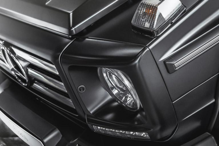 black mercedes benz headlight