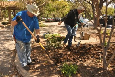 Comal Master Gardener Lecture Series: Sling Dirt Organically @ Tye Preston Memorial Library | Canyon Lake | Texas | United States