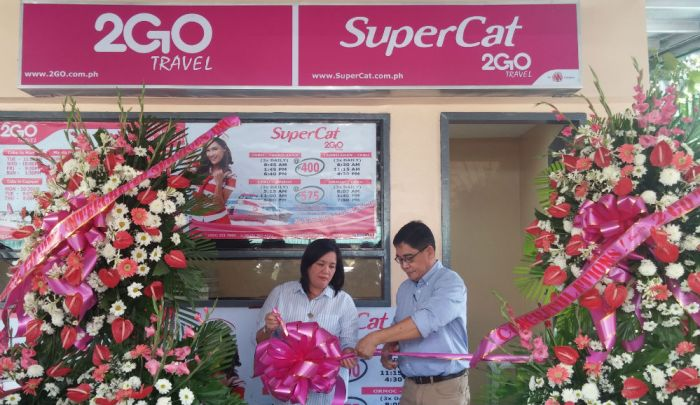 Angelito M. Salvio, 2GO general manager, leads the inauguration of the Supercat ticketing office in Pier 1, Cebu City.