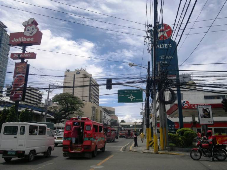 """The failure to solve the traffic problem """"driving Cebu City to the brink of economic stagnation,"""" warned The Freeman. (Creative Commons Photo by Flickr user Chad M)"""