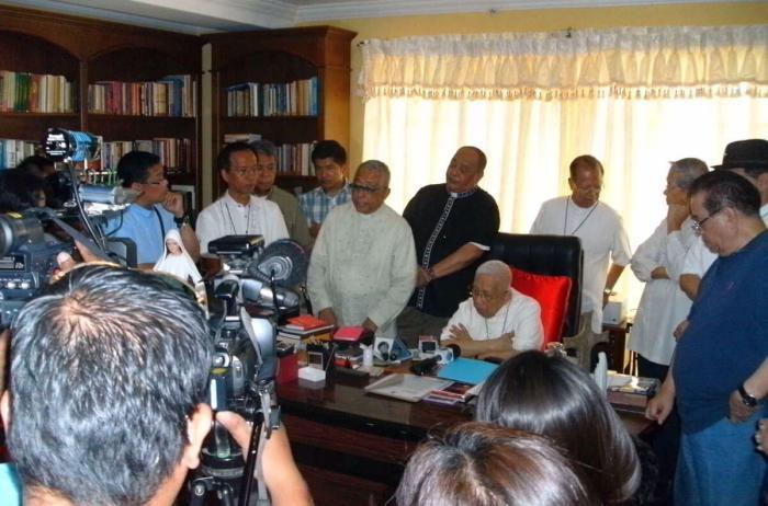 Vidal calls on President Aquino to resign