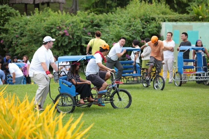 TOUR DE MACTAN. Shangri-La's Mactan Resort and Spa general manager Nicholas Smith joins the Tour de Mactan event at the resort held to welcome him to his new post. (Contributed photo)