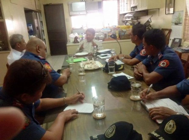 MEETING. Incoming Cebu City mayor Tom Osmena meets police officials for the peace and order situation in Cebu. (Contributed photo)