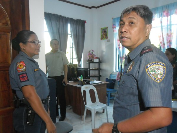 PROBE. The Commission on Human Rights 7 said it will probe allegations that PRO 7's operation against Rowen Secteraria was a rubout.