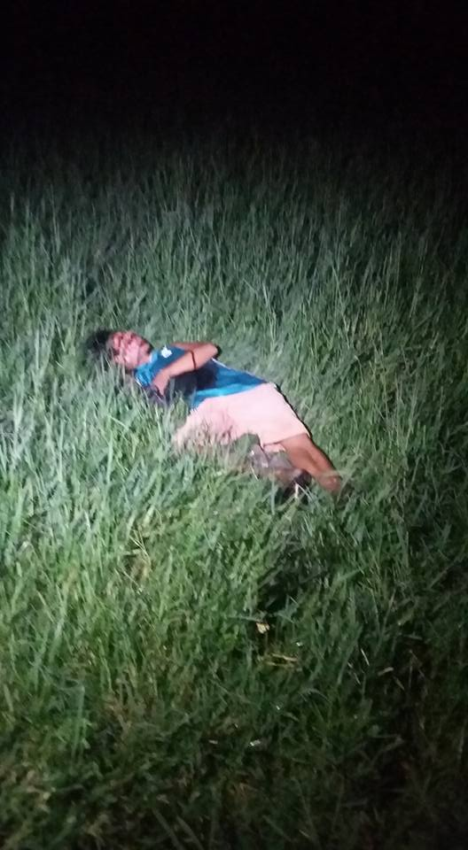 ANOTHER ONE. Cebu recorded 12 dead in 24 hours in the battle against drugs. Late last night, another pusher was found dead in Basak Pardo. This guy wasn't included in the previous tally of 12. (Photo from Wang Wang Cebu's Facebook page)