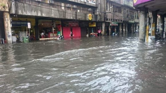 ACT NOW. Floods hit downtown Cebu again after a heavy rainfall. Pagasa Mactan is urging LGUs to implement drainage projects because Cebu will experience abnormal rainfall until March.