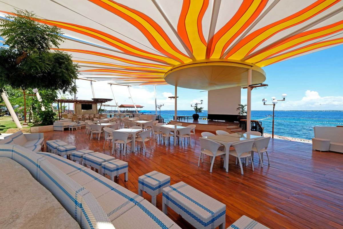 Jpark presents beach fun, yacht cruise, top DJs in Havana by the Sea party