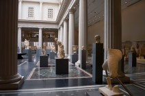 Photograph_of_the_New_Roman_Gallery_at_the_Metropolitan—New_York_City