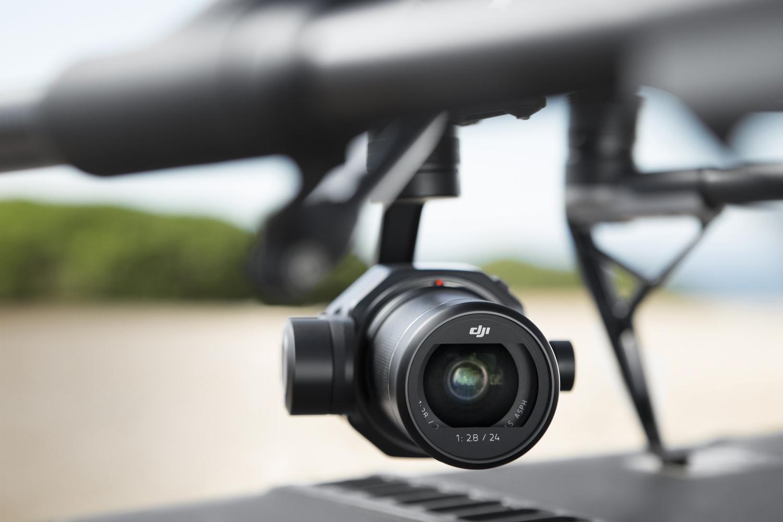 2017年10月:航拍机晋级,6K视频来袭!普罗大众价格的电影专业级摄像机:大疆创新科技DJI的禅思 X7(Zenmuse X7)