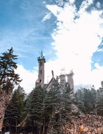 Have you ever wanted to see a castle? Tucked deep in the Colorado mountains, Bishop Castle lays patiently waiting for explorers. Colorado Road trip stops! #traveltips Colorado | USA Road Trips | Across the Country Road Trips | #traveldestinations #travel Colorado Springs | Mountains | Mountain Getaway
