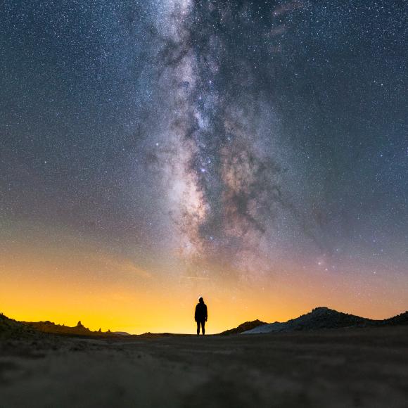 """Τρίτη Θέση """"Heavens Above Her"""": the Milky Way, seen from Trona Pinnacles National Landmark, California. Photo by Ian Norman, CC BY-SA 2.0."""