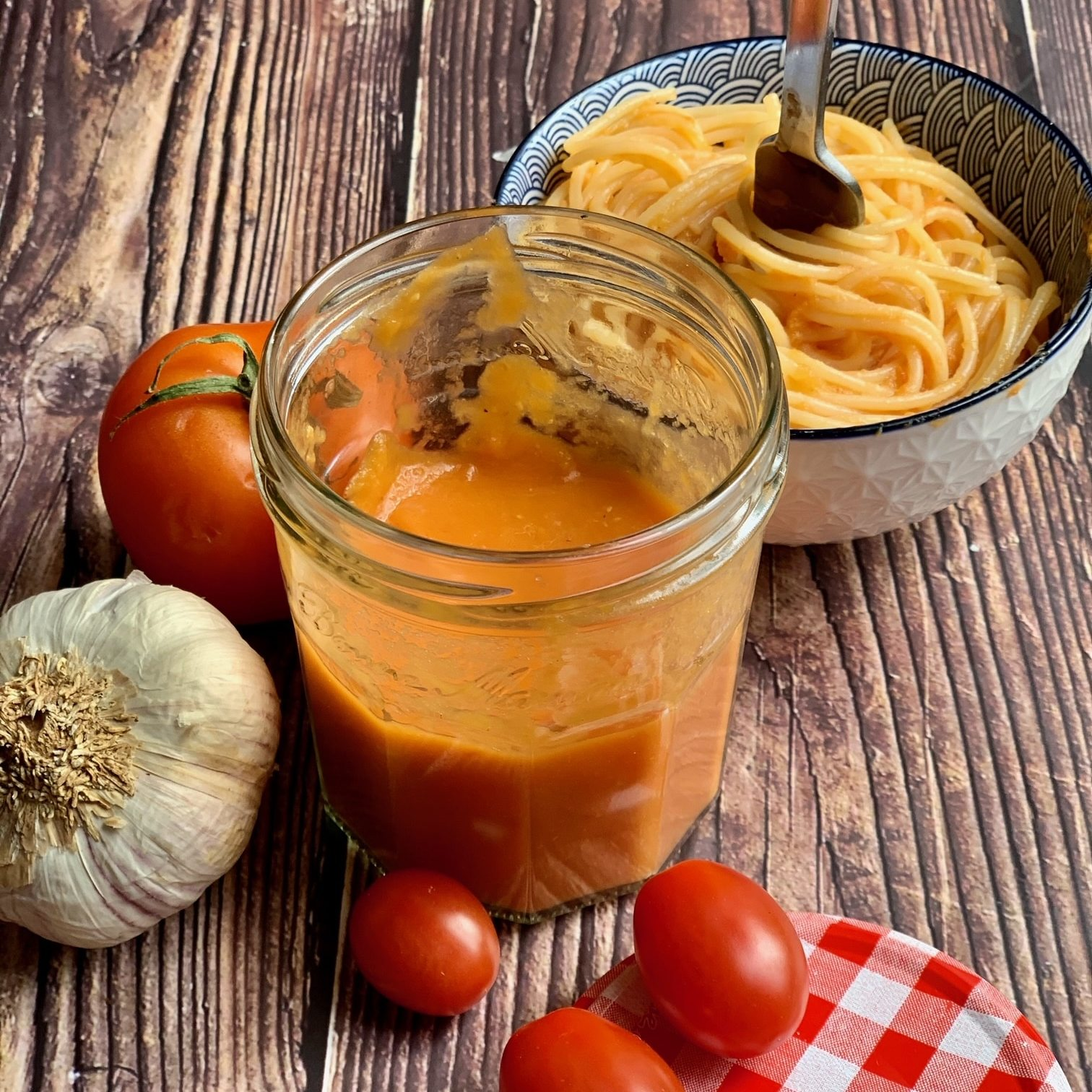 Salsa tomate Casera con tomates naturales y con pasta