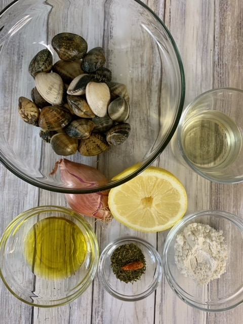 Ingredientes Almejas al vino blanco