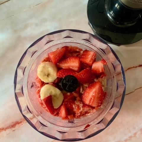 Trituramos fresas y platano