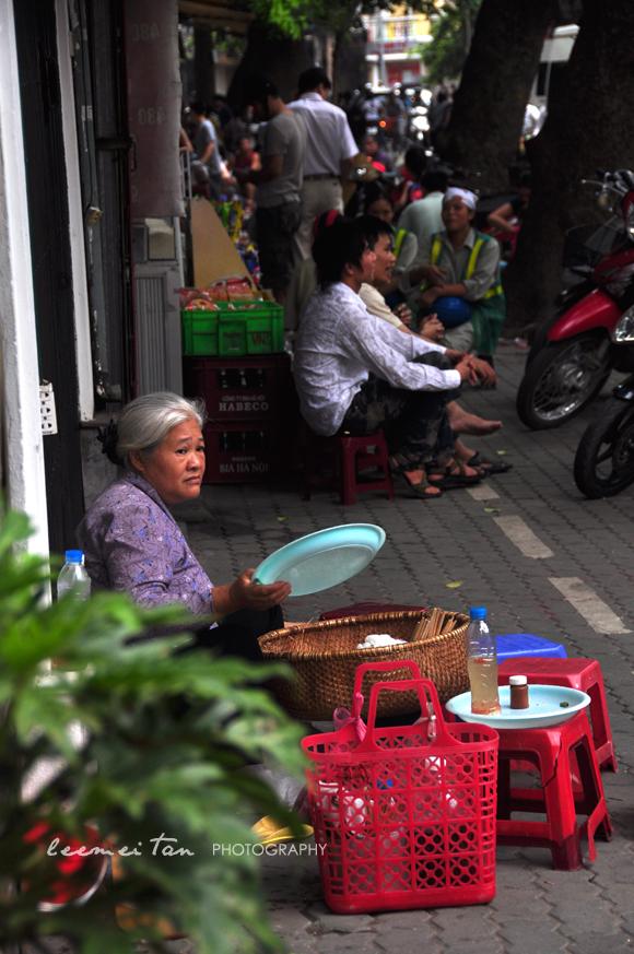 food-vendor-hanoi