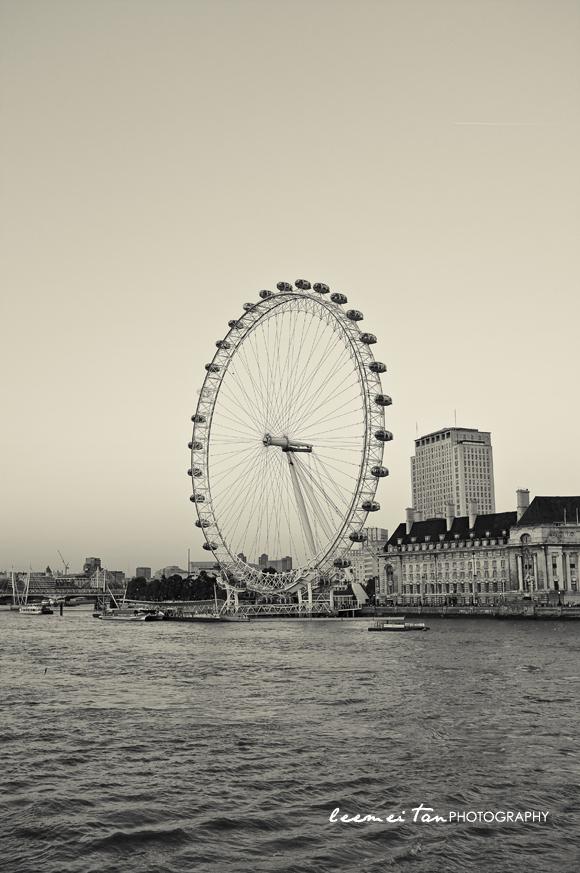 london-eye-bw