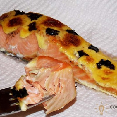 Baked Salmon Fillets With Homemade Sauce