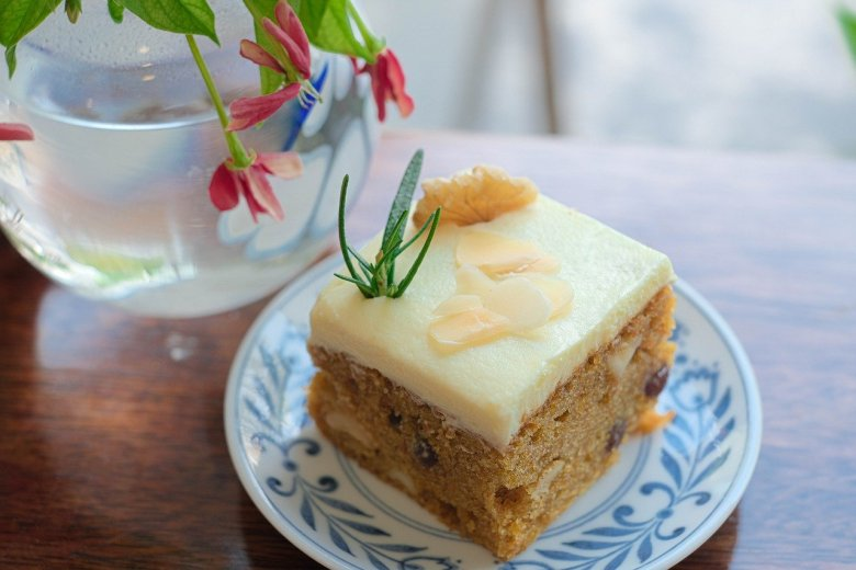 mary berry carrot cake with pineapple