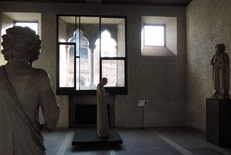 Statue of Santa Cecilia