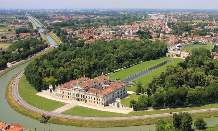 View photo by www.villapisani.beniculturali.it