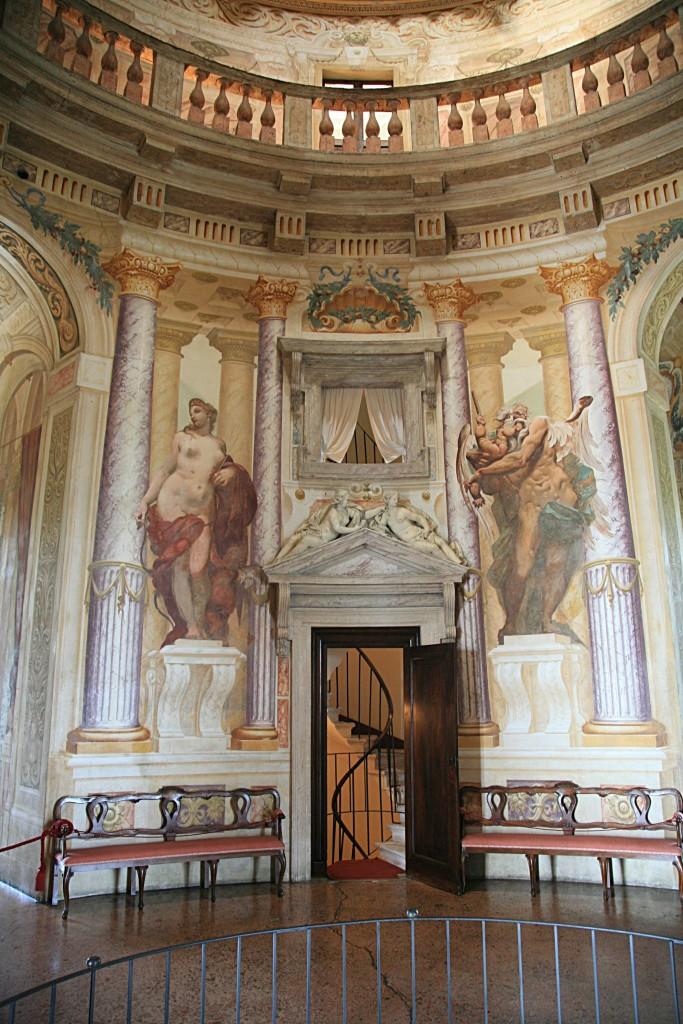 Frescoes Jupiter and Bacchus en.wikipedia.org