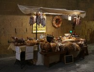 Pecorino Kiosk by night