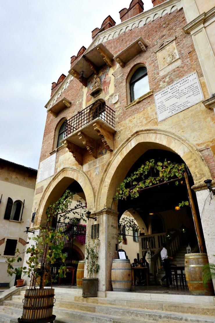 Palazzo di Giustizia, Soave