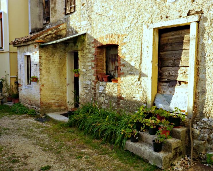 Combai alley