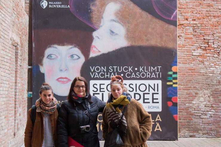 Me among Anastasia and Anna of TravelonArt