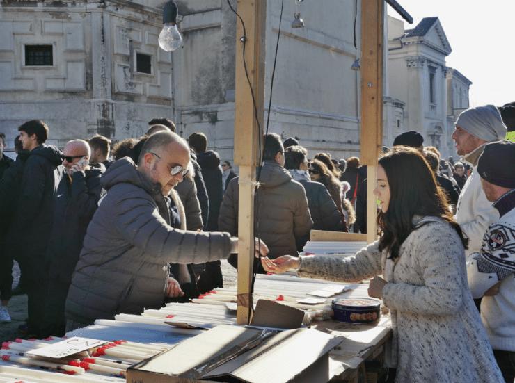 Candles kiosk, Salute festival in Venice