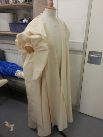 gown toile with hanging sleeve