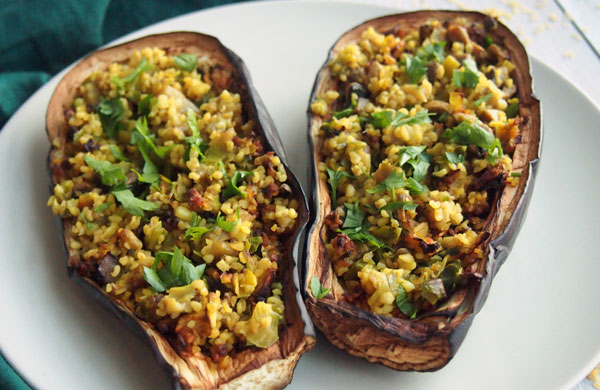 Eggplant stuffed with bulgur, leeks and mushrooms | My Cosy Retreat