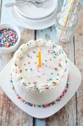 vegan_vanilla_birthday_cake