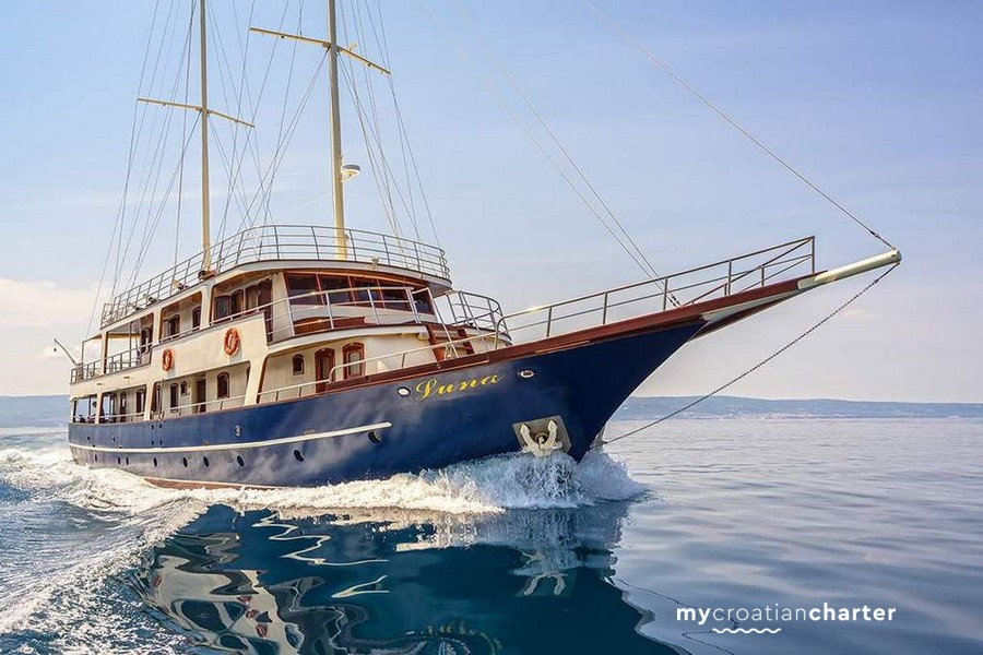 Luna My Croatian Yacht Charter