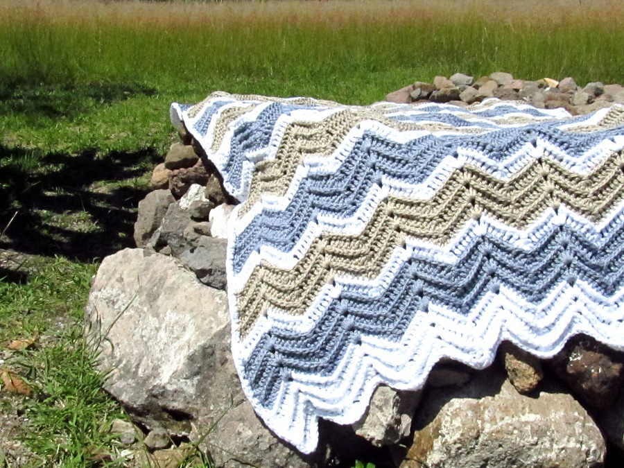 A Chevron Crochet Blanket Basic Guide Fo Chunky Chevron Crochet Blanket The Gift Of Knitting