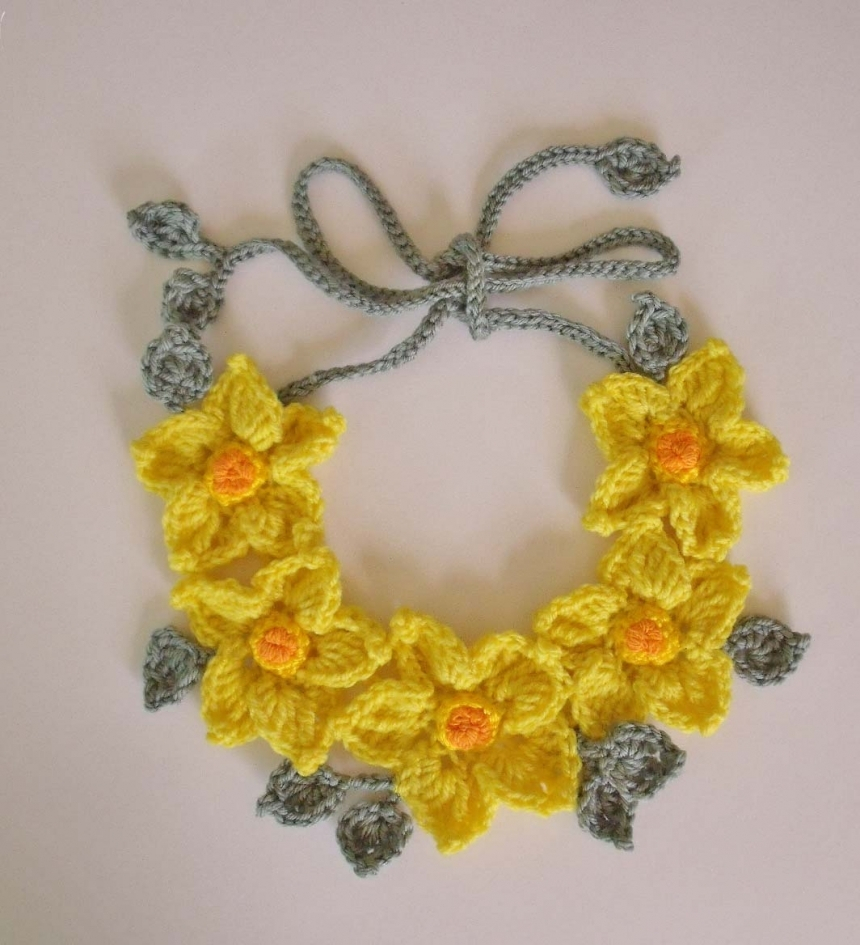 A Freeform Crochet Tutorial that Will Make Your Life Easier Pdf Pattern Freeform Crochet Necklace Yellow Flowers Fibreromance