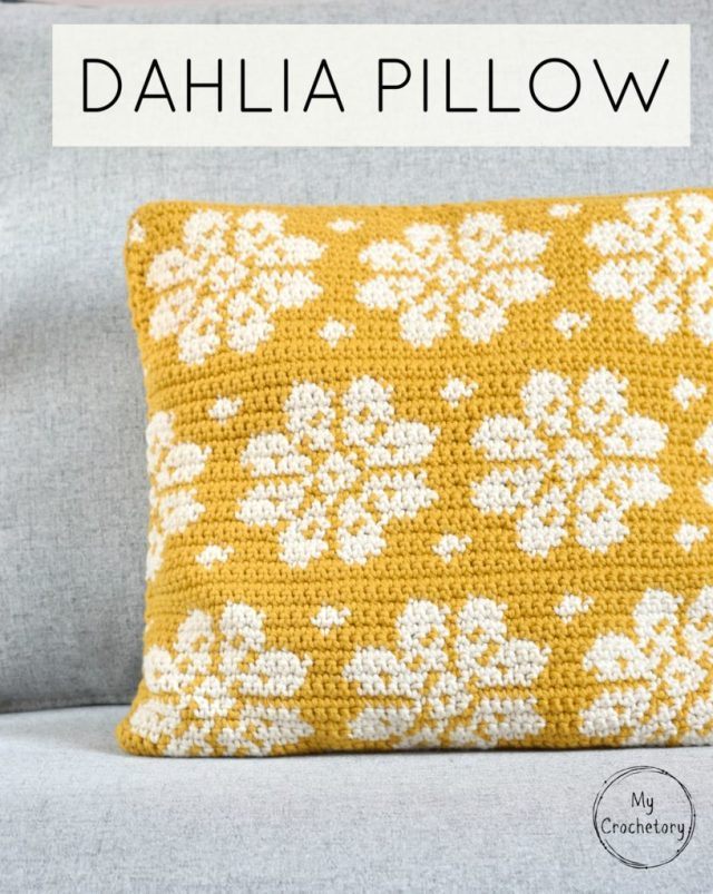 Dahlia Pillow - free crochet pattern with a chart by www.mycrochetory.com