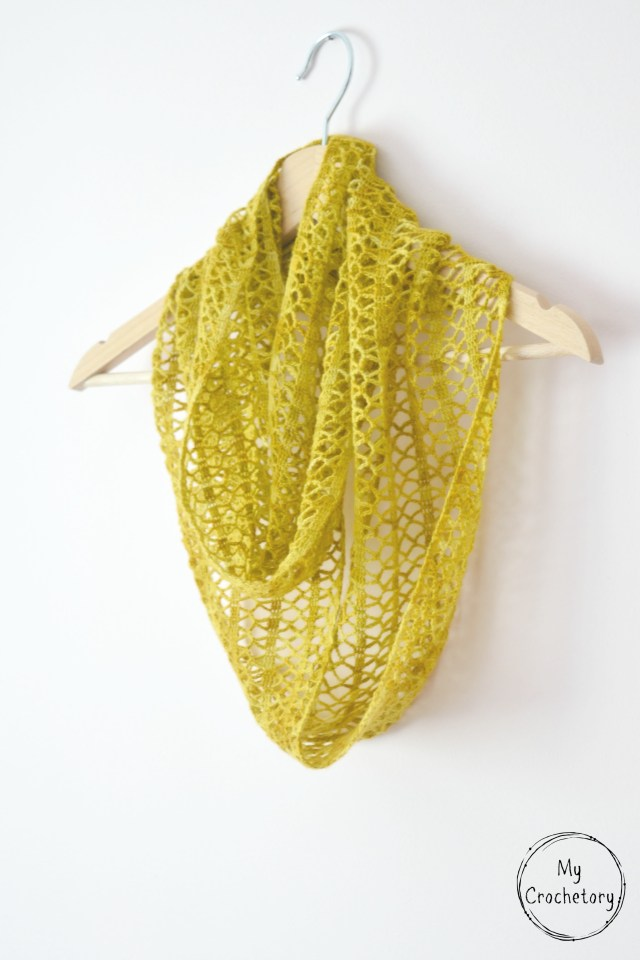 Crochet Sunny Lace Cowl - lace weight free crochet pattern by www.mycrochetory.com