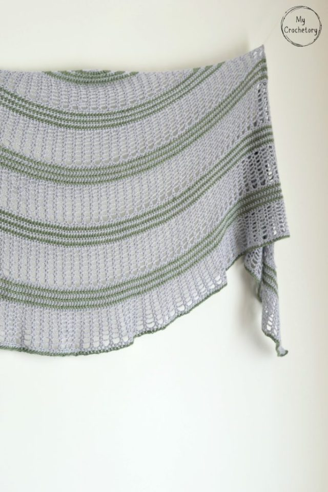 Sigrid Shawl - free crochet pattern for beautiful crescent shaped shawl by www.mycrochetory.com