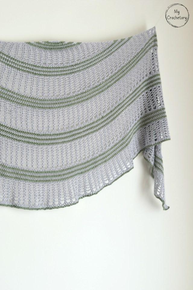 Sigrid Shawl - free crochet pattern for beautiful crescent shaped shawl by www.mycrochetory.com