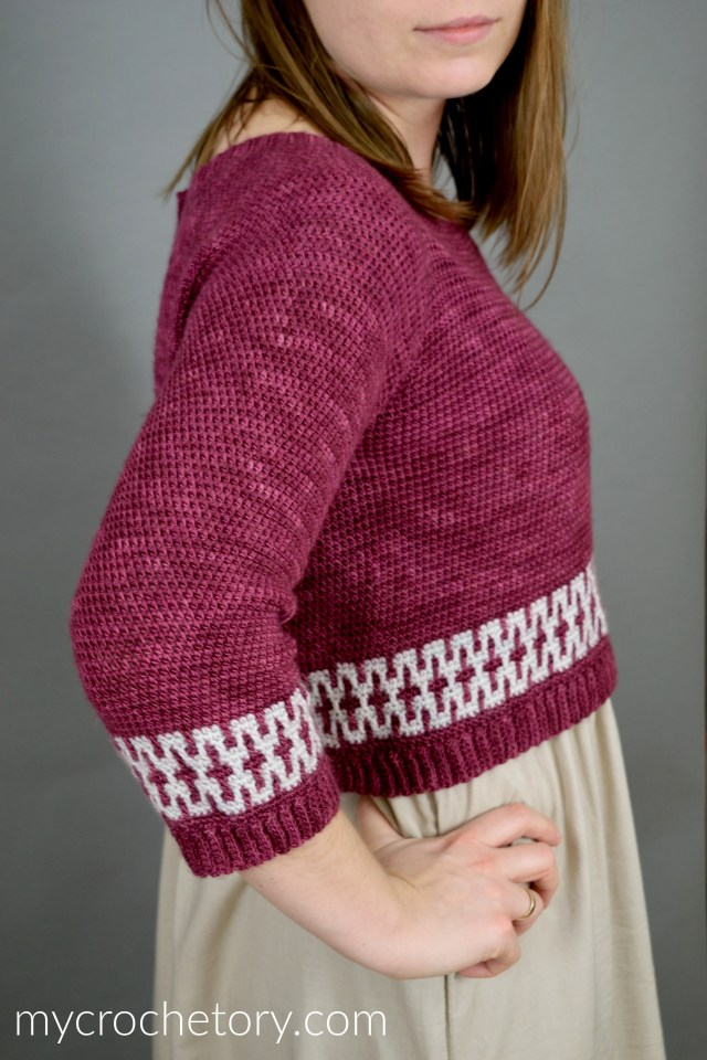 Mosaic Cropped Sweater - raglan crochet pullover with mosaic crochet. Free crochet pattern by mycrochetory.com