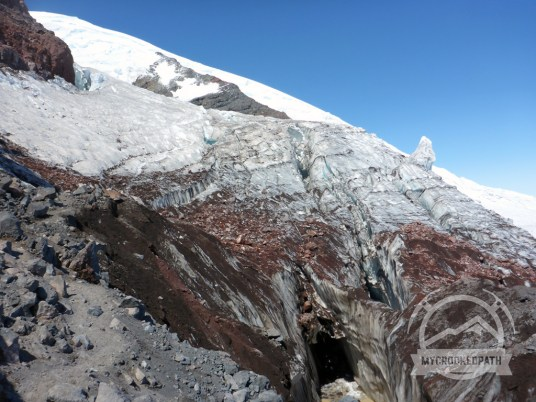 The Ingraham Glacier has a dirty crack