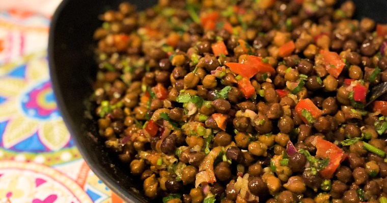 Kala Chana Chaat / Black Chickpeas Salad